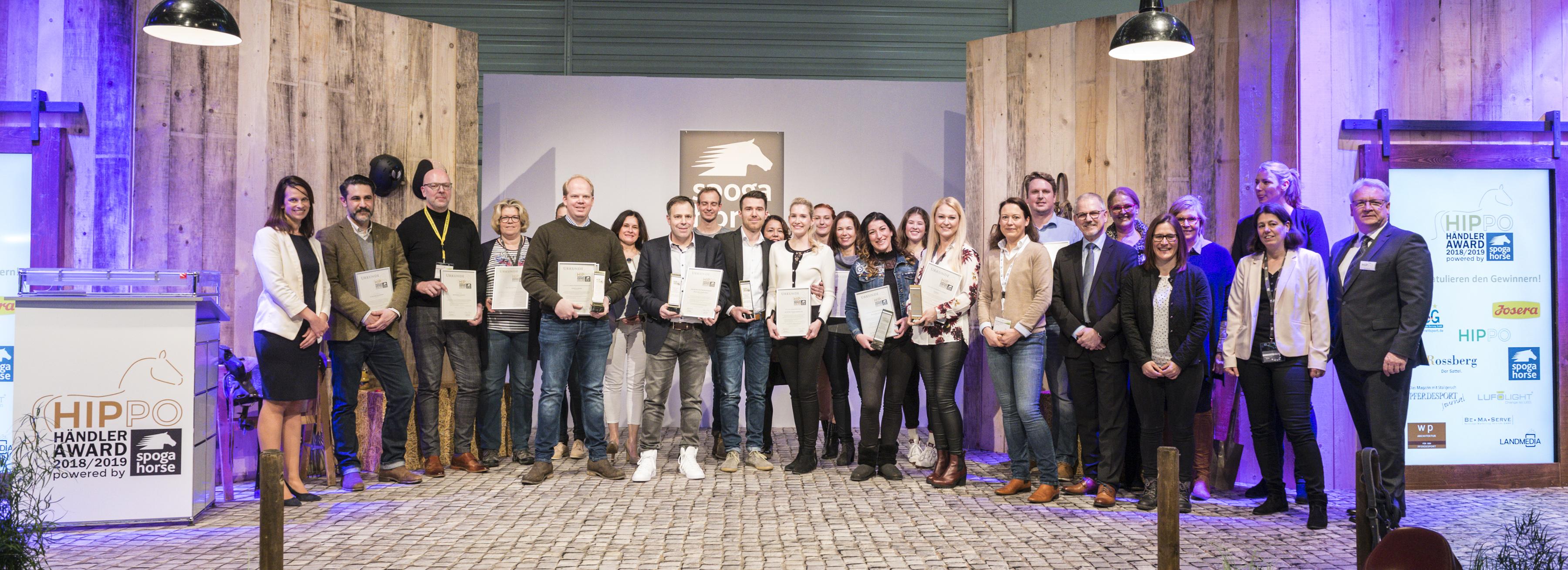 Hippo Händler Award, Gruppenfoto, spoga horse fashion walk, Halle 8, Reitsport Live